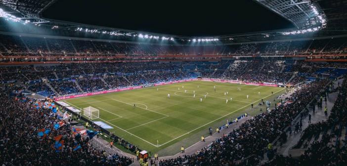 Communiquer dans les stades avec des objets publicitaires